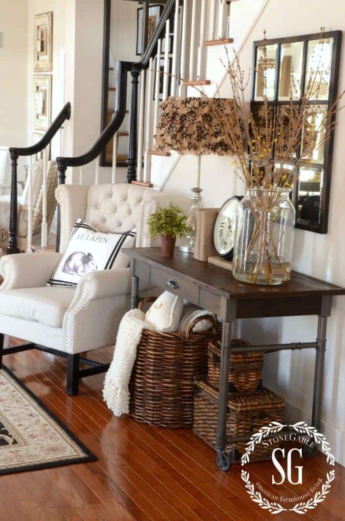 Accent chair entryway ideas