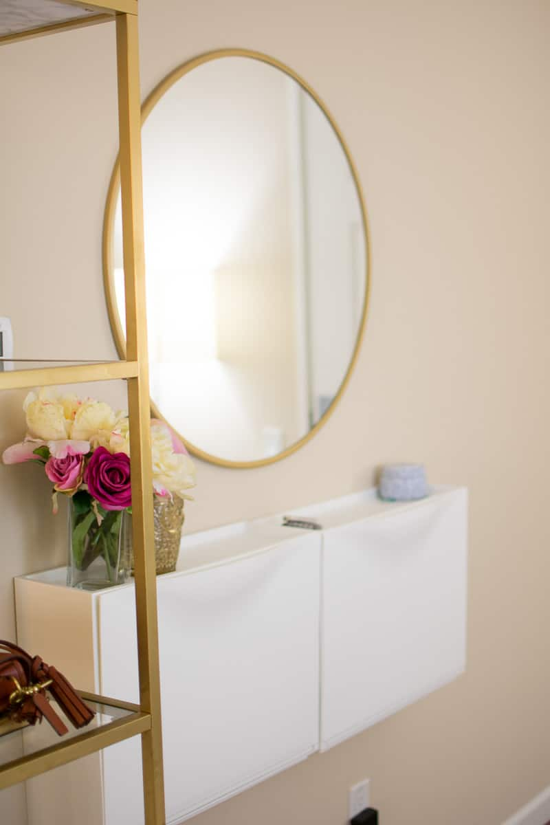 Add a mirror to entryway decor