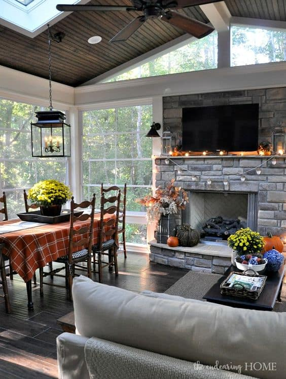 Dining area in screened porch