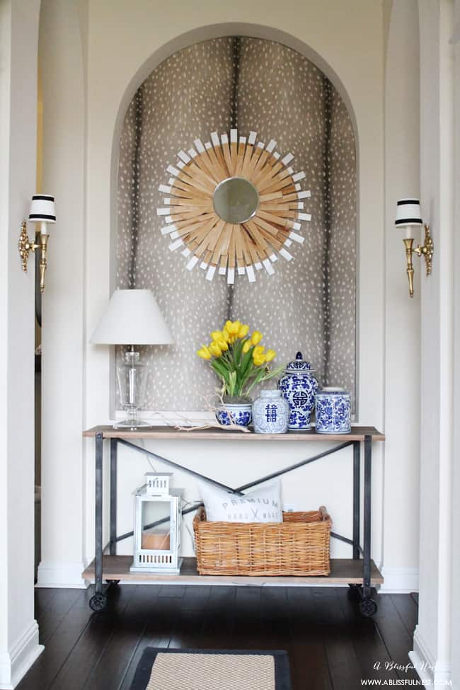Foyer Art Niche : These entryway ideas will create an even warmer welcome