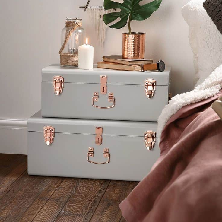 Diy trunk storage small bedroom