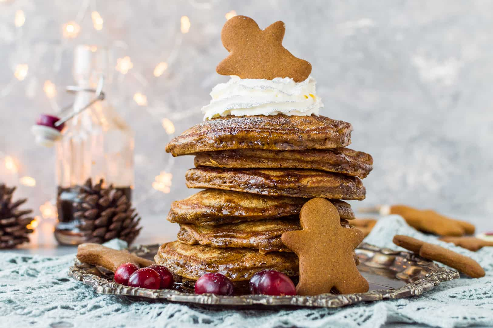 Gingerbread pancakes with gingerbread syrup – soft, fluffy gingerbread flavoured pancakes topped with gingerbread syrup, the perfect festive breakfast!