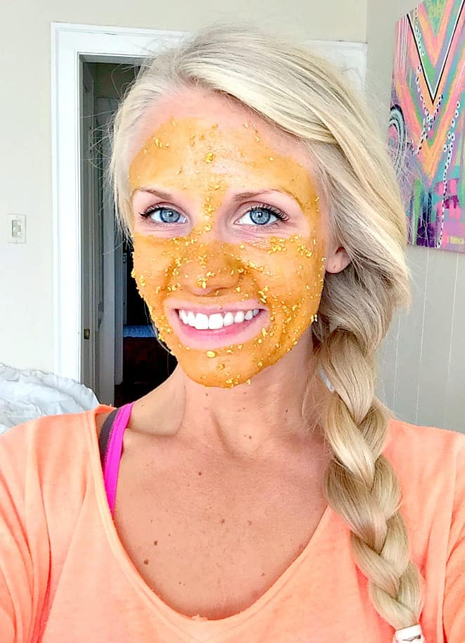 Brightening turmeric face mask