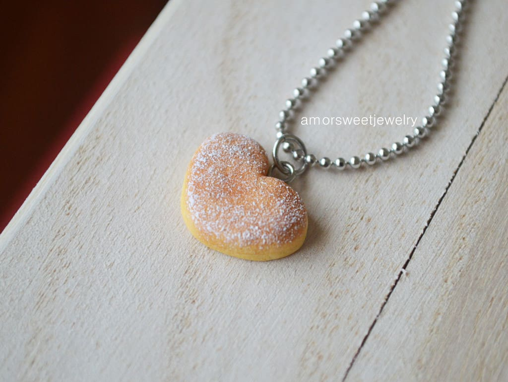 Heart shaped breaed necklace