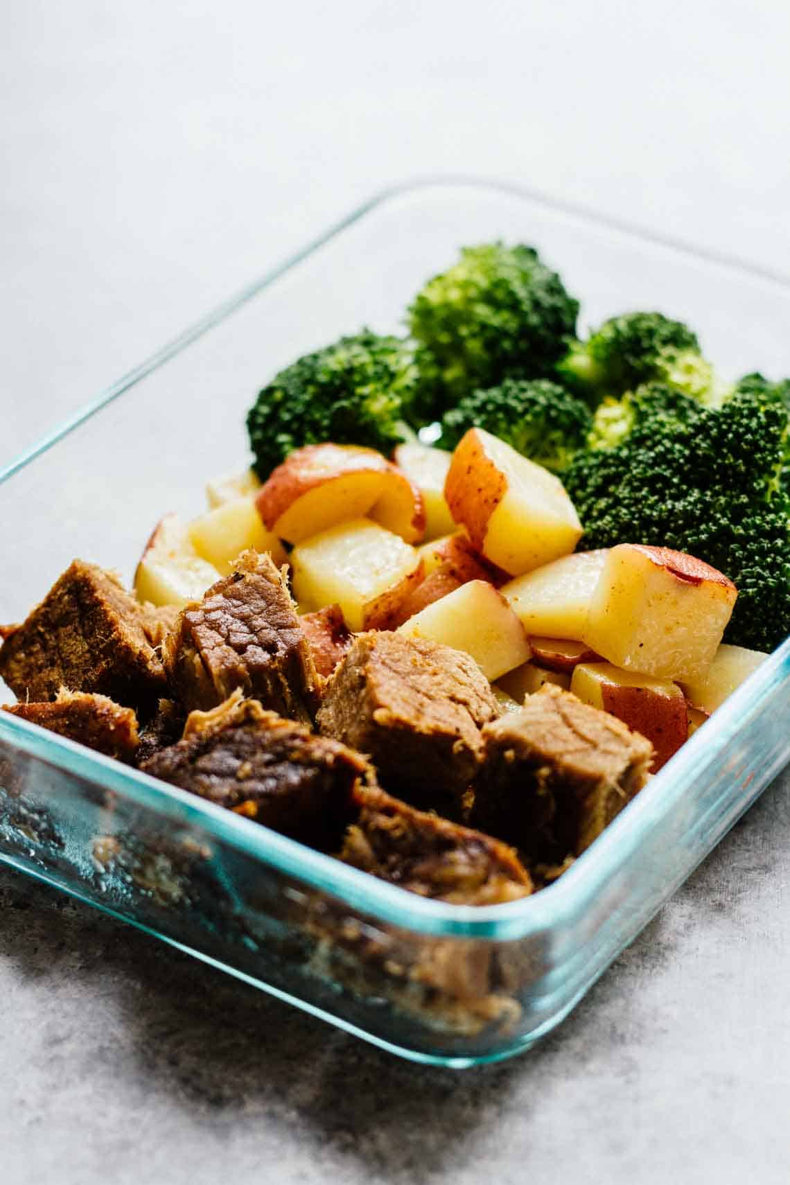 Steak potatoes meal prep bowls