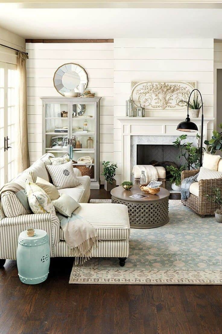 Cream wall farmhouse living room