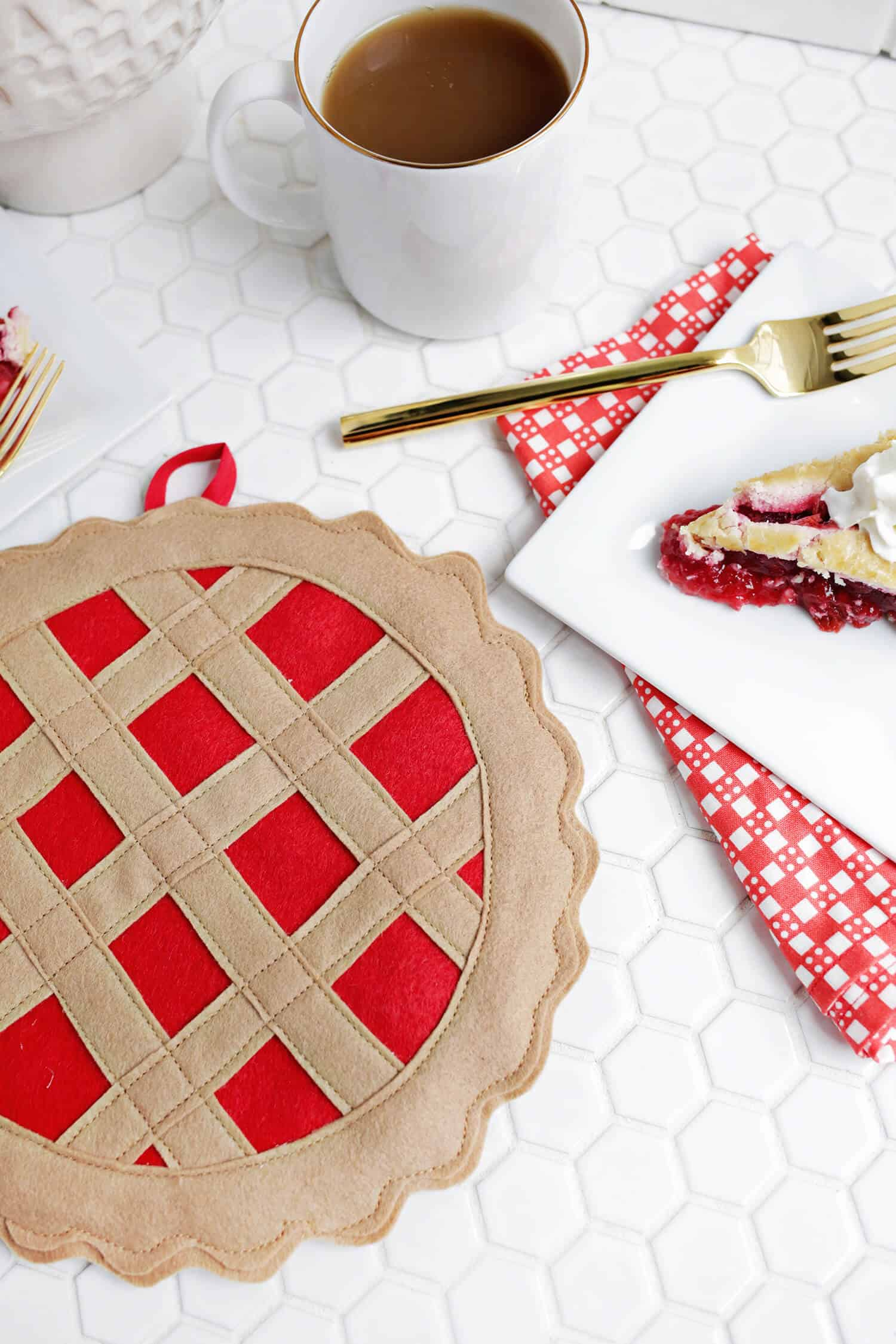 Diy cherry pie potholder