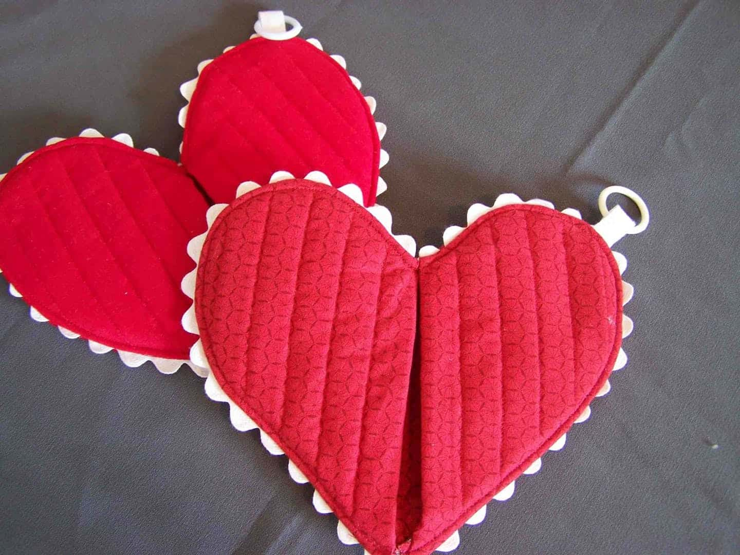 Diy heart oven mitt