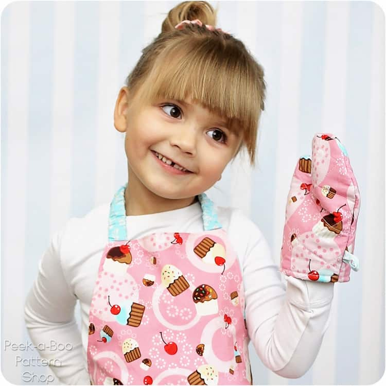 Diy toddler oven mitt