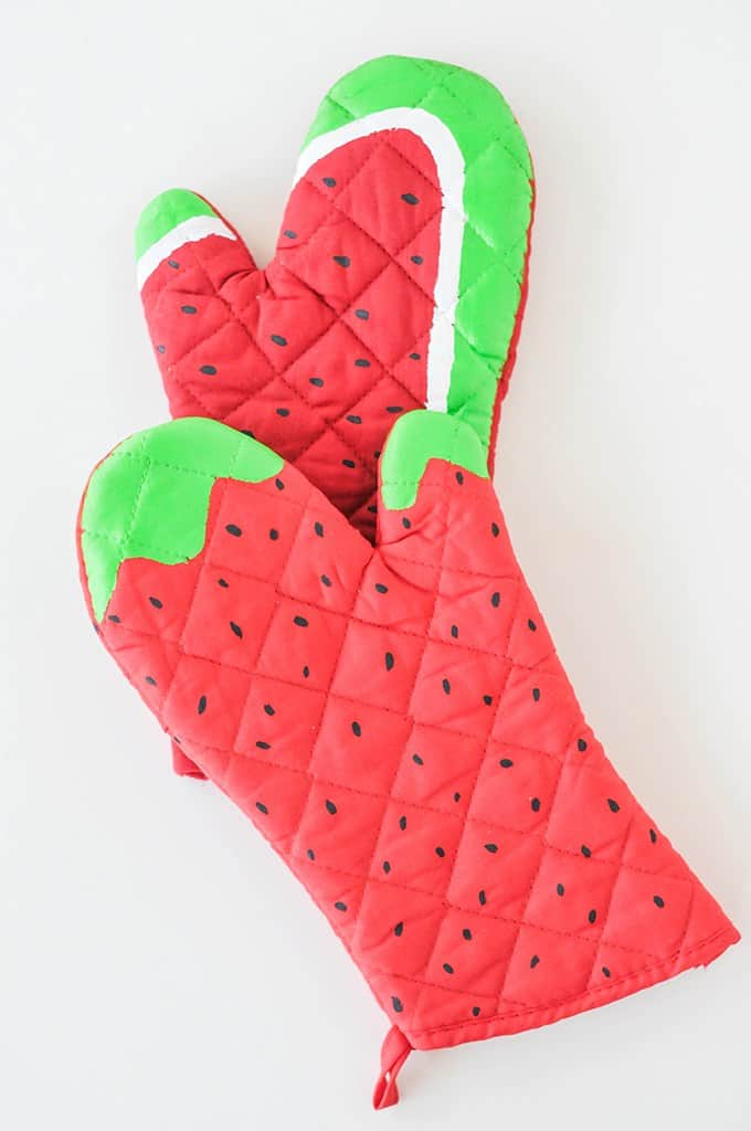 Diy watermelon oven mitts