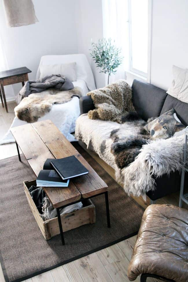 15 Different Ways To Decorate Your Home With Faux Fur
