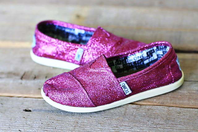 Glitter toms diy