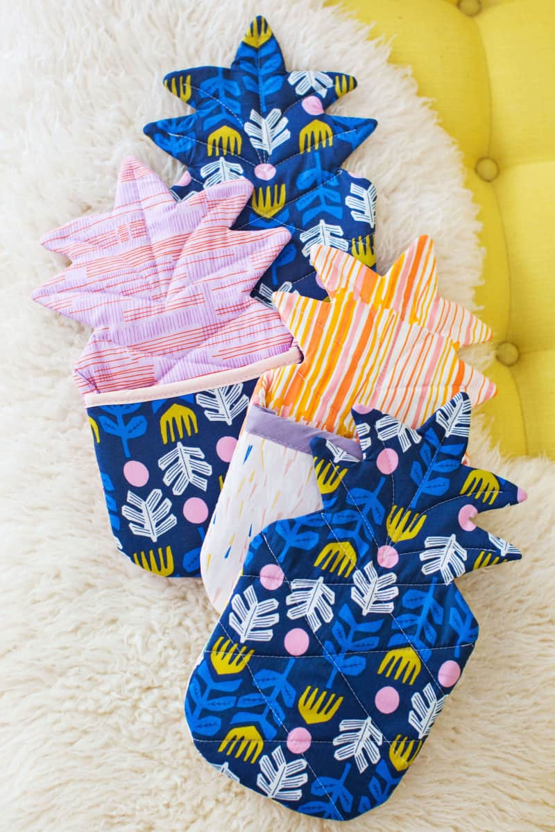 Pineapple oven mitt diy