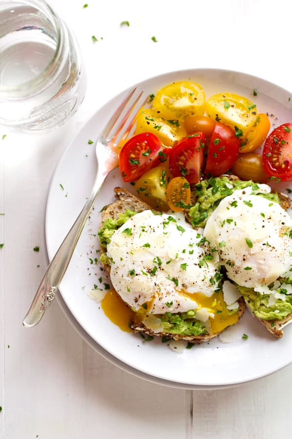 Poached egg toast with avocado