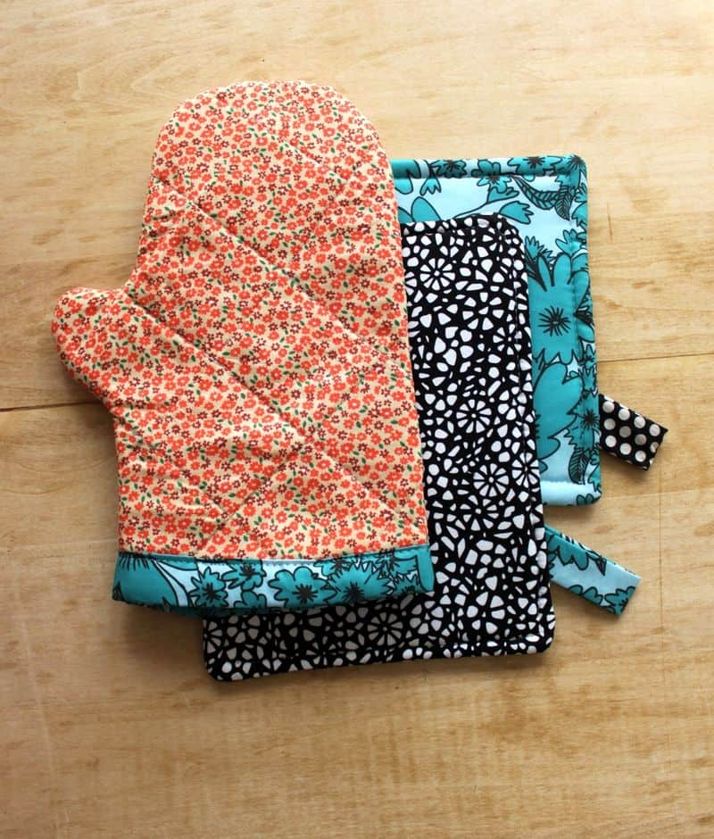 Simple oven mitt and hot pad diy
