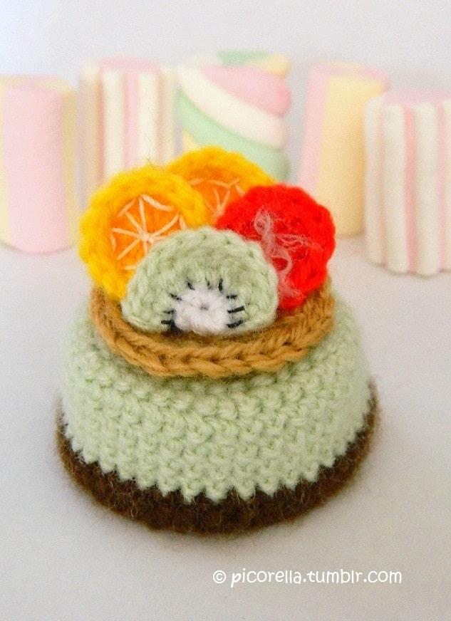 Amigurumi fruit cake