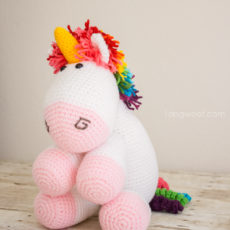 Amugurumi crocheted unicorn
