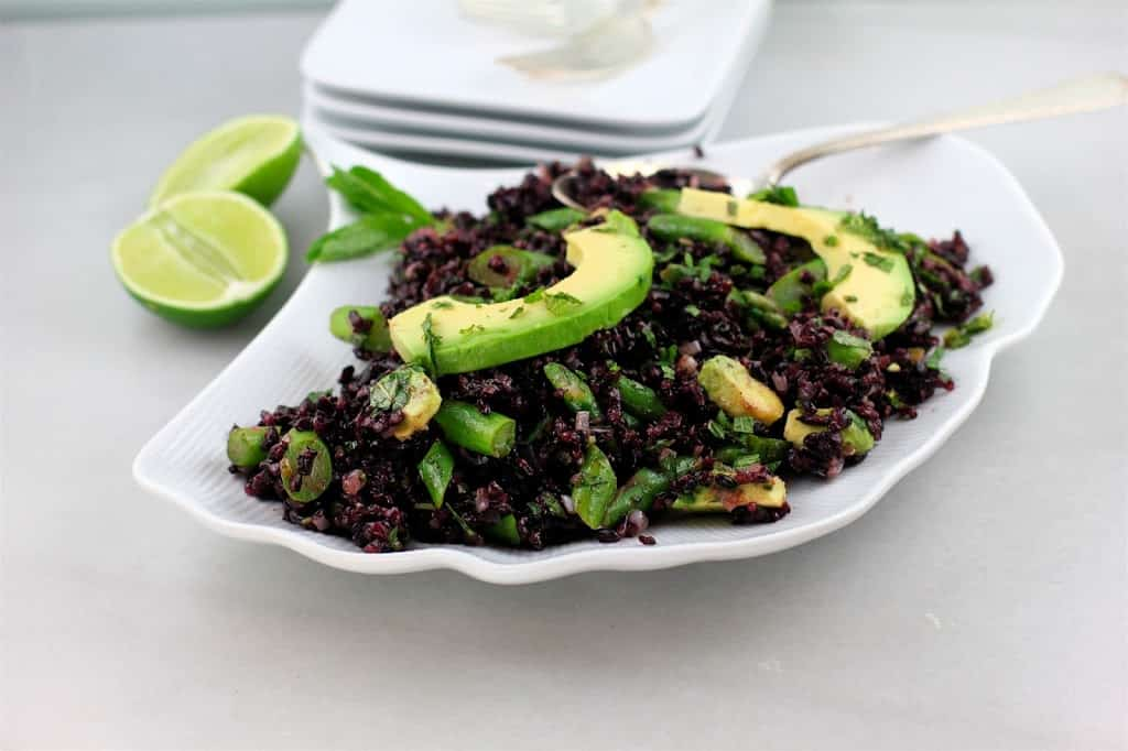 Black rice salad with asparagus and avocado