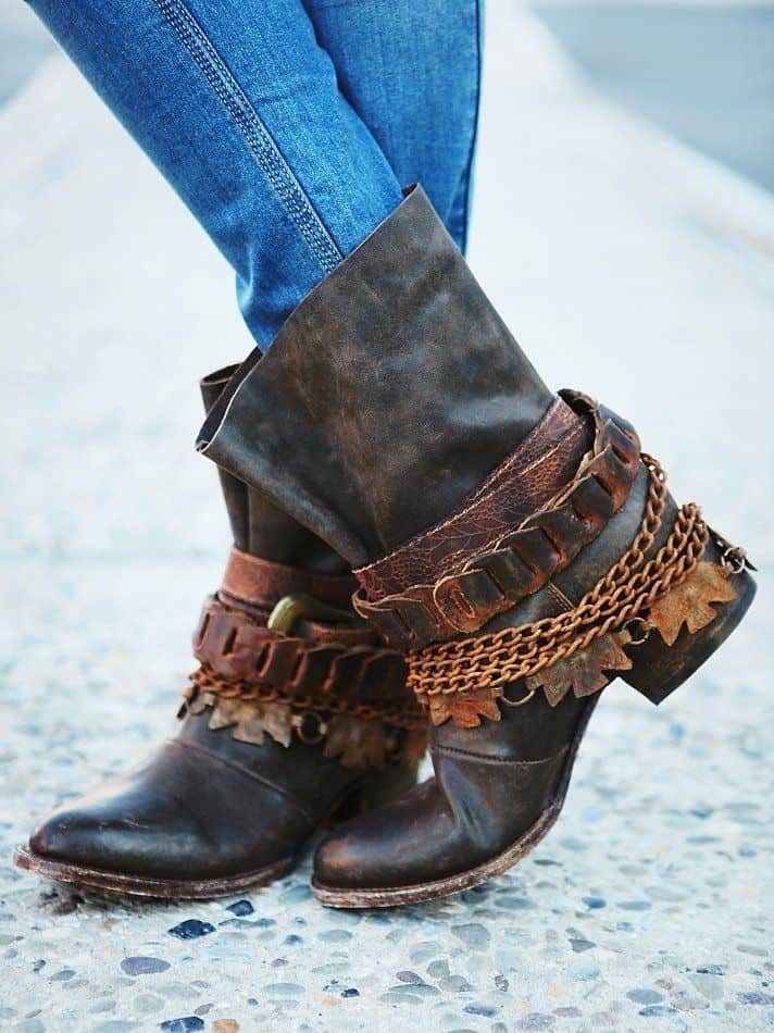 Broken necklace embellished boots