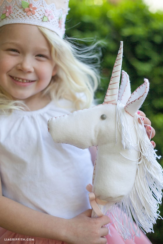 Diy felt riding unicorn
