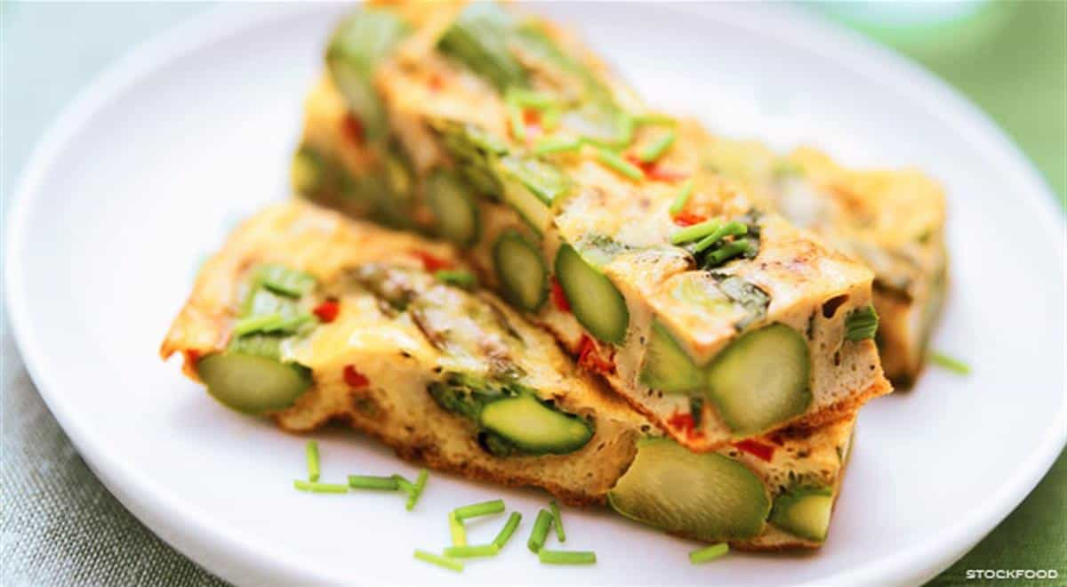 Easy asparagus frittata with chives