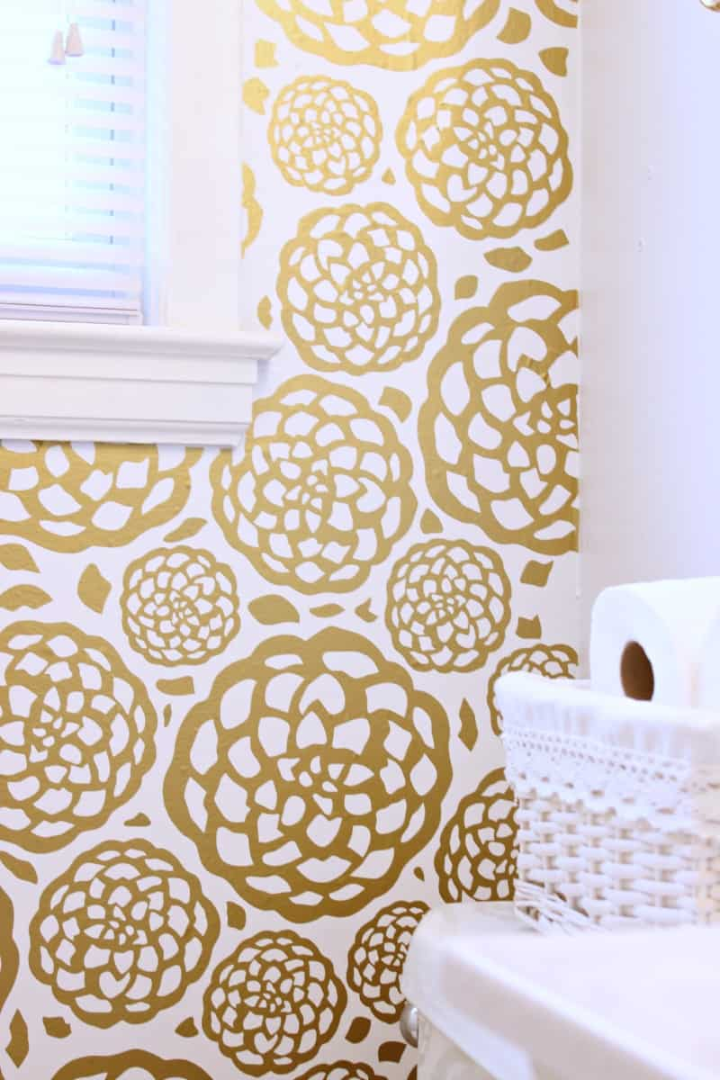 These 15 Floral DIY Wallpapers Will Ignite Inspiration For Springtime Decor
