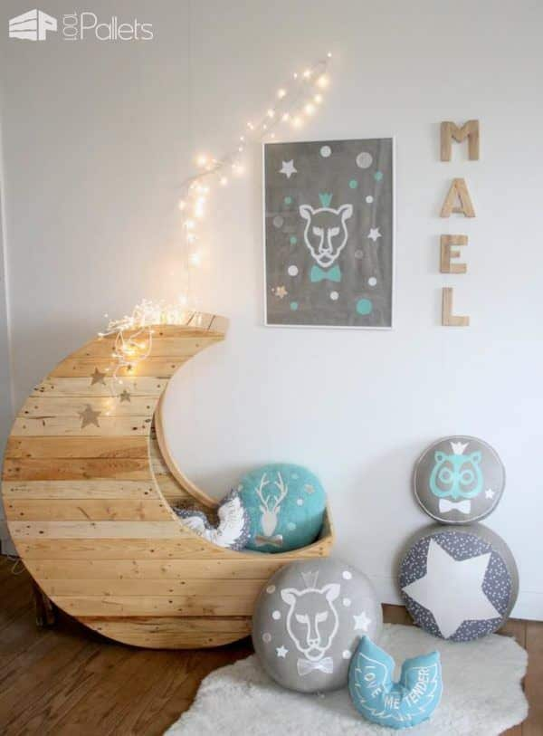 Moon cradle made from pallets diy