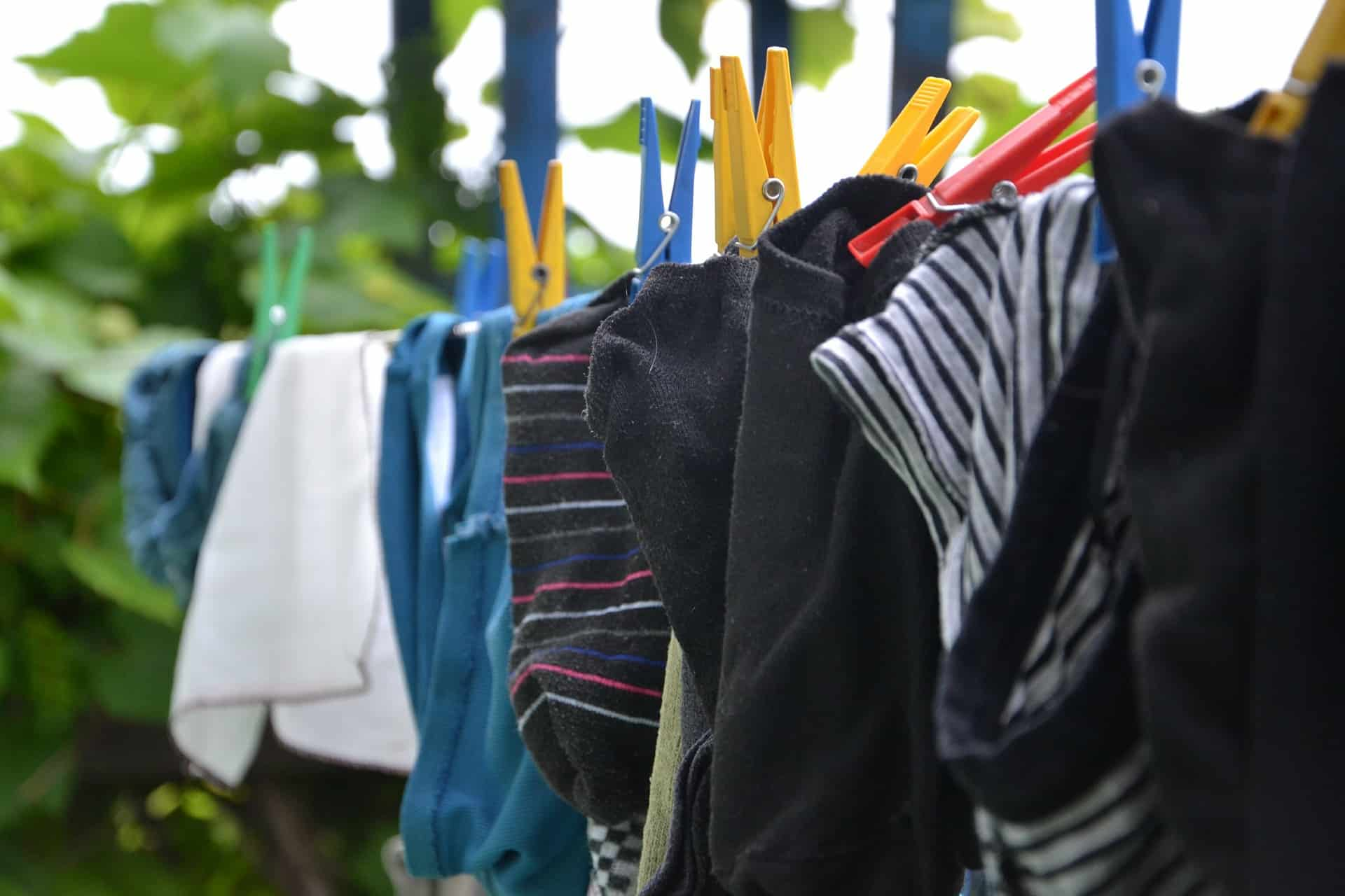 Put Clean Clothes Away ~ Great diy tips for storing winter clothing when the
