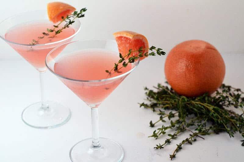 Grapefruit thyme martini