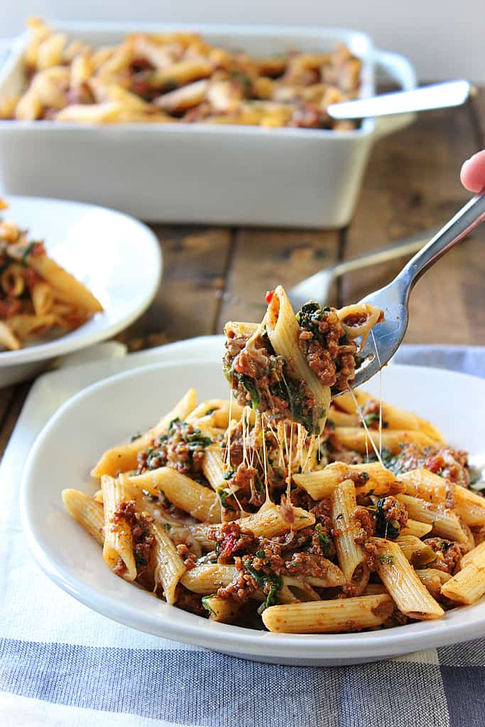 Slow cooker beef cheese pasta