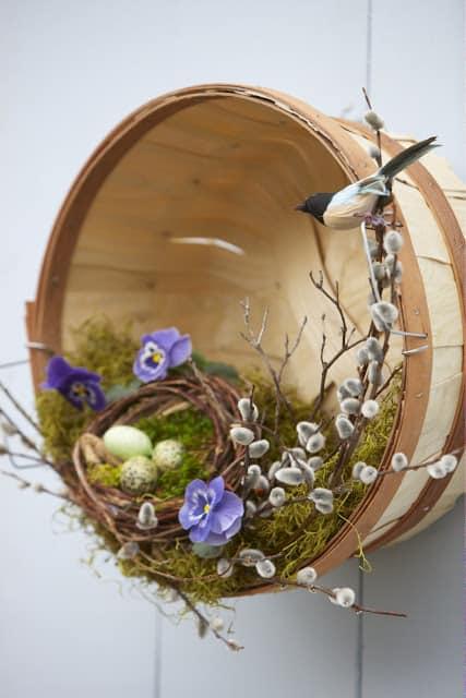 Basket and bird's nest wreath