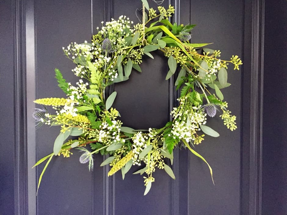 Diy greenery wreath tutorial