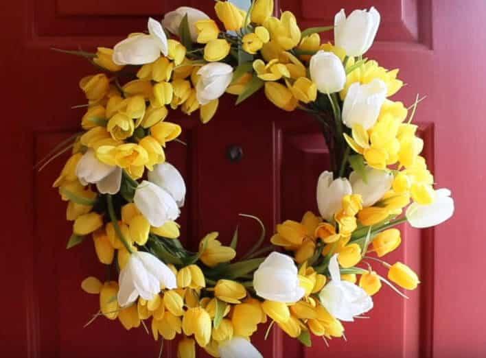 Dual coloured tulips wreath