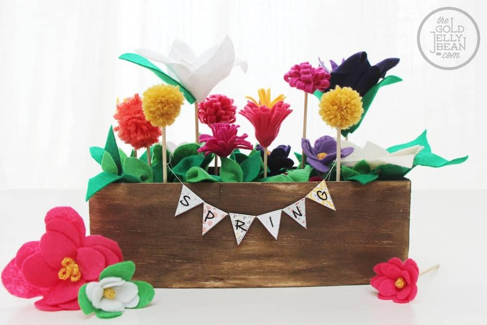 Felt spring flowers box