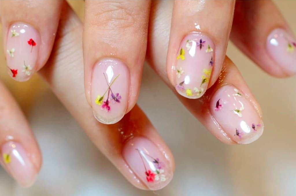 Tiny pressed spring flower manicure