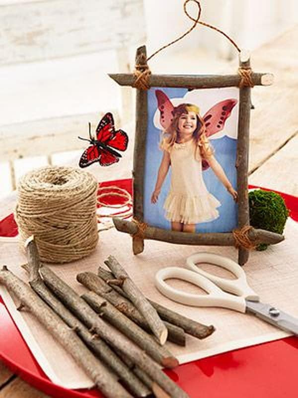 Twig and twine hanging photo frame