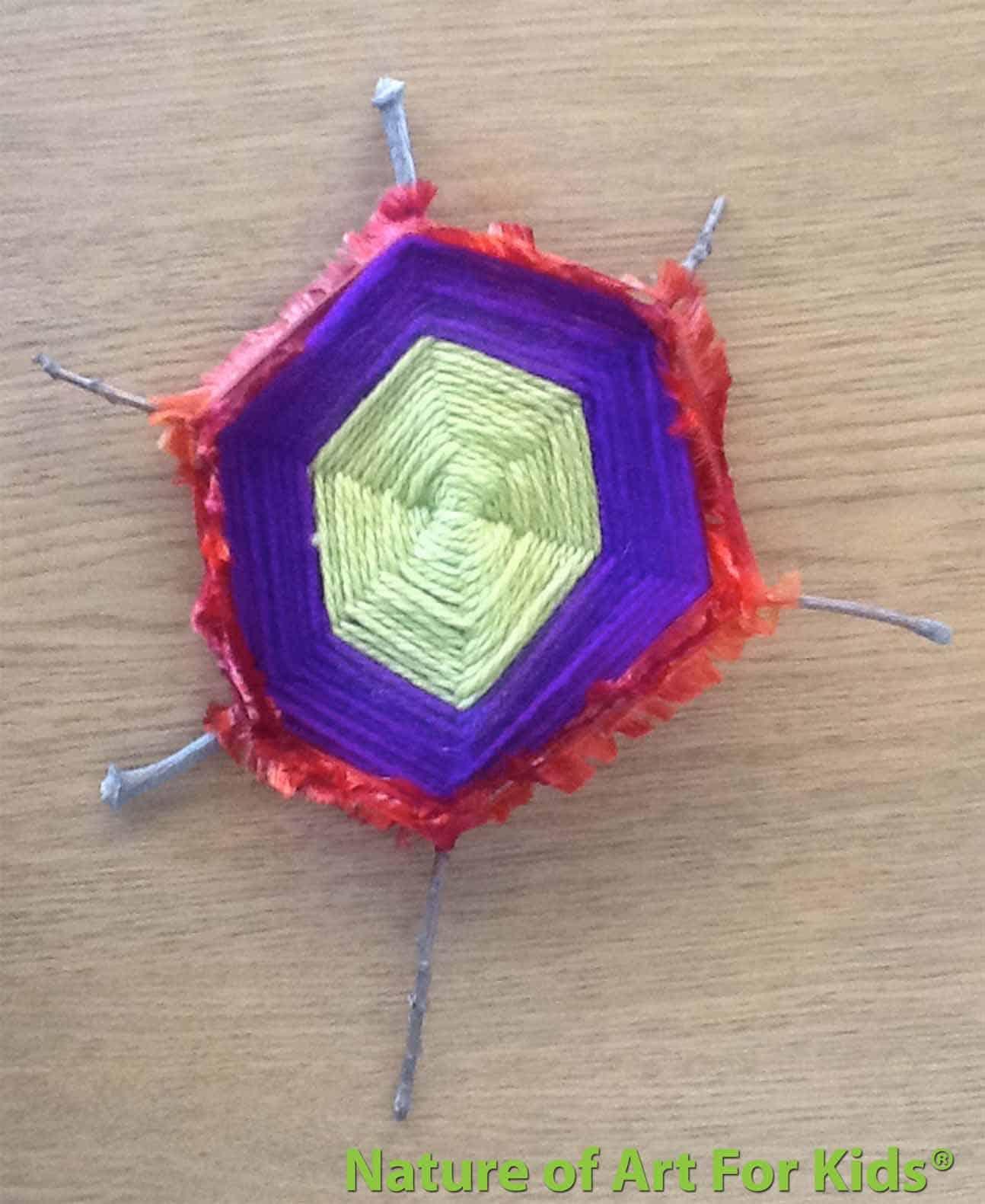 Twig yarn weaving frame