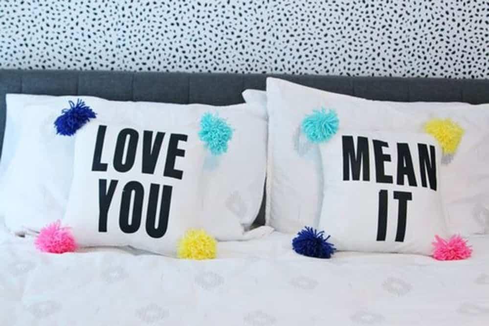 Couple throw pillow diy