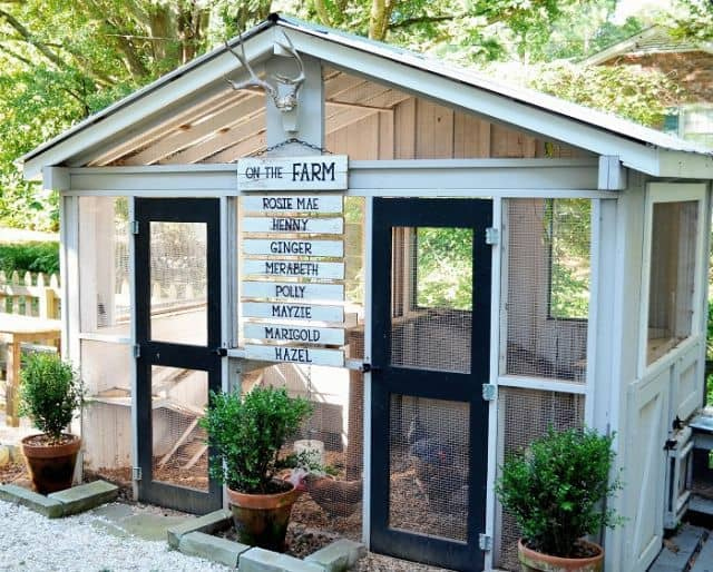 Diy decorated chicken coop