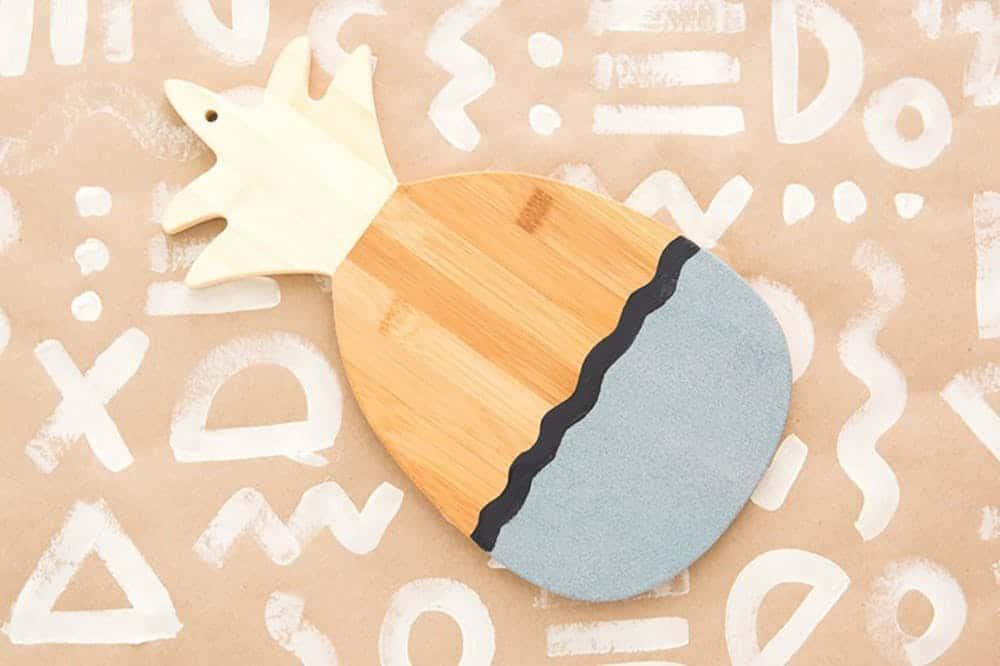 Pineapple cutting board diy