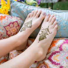 Feather inspired henna on the tops of your feet