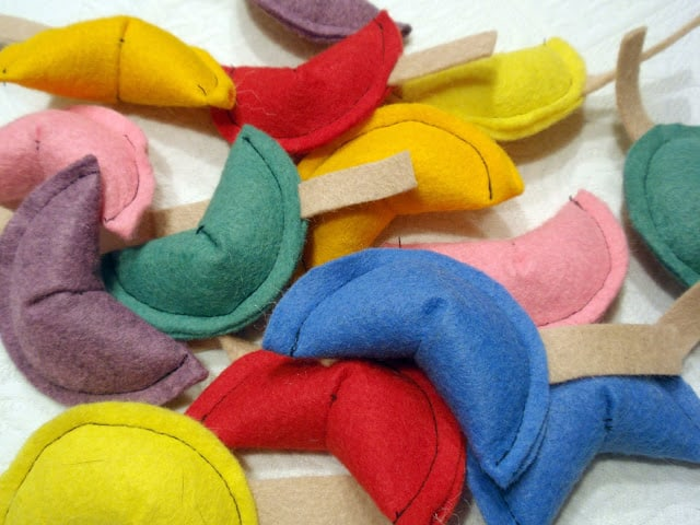 Felt fortune cookie cat toys
