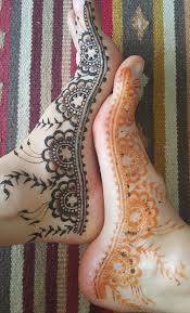 Lace inspired designs along the side of your foot