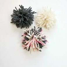 Simple spare yarn pom pom toys