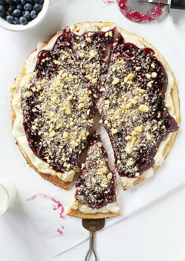 Blueberry dessert pizza 2