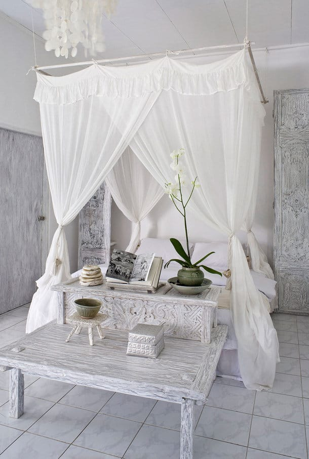 Dreamy canopy bed diy