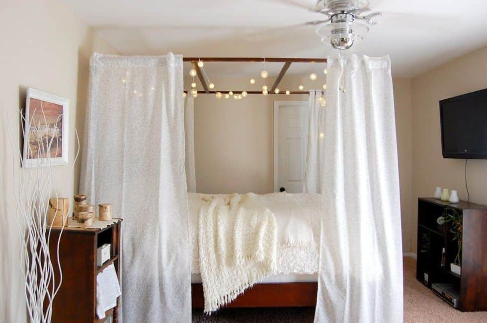 With light diy canopy bed