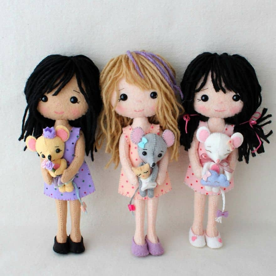 Felt and wire dolls with yarn hair