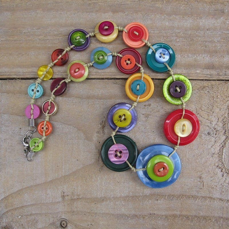Knotted layer button necklace