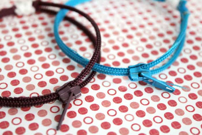 Structured zipper bracelets
